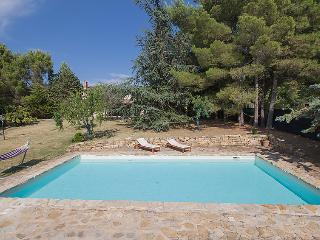 Comfortable 6 bedroom Parrano Villa with Internet Access - Parrano vacation rentals