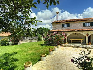 7 bedroom Villa in Barban, Istria, Croatia : ref 2286509 - Orihi vacation rentals