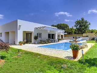 6 bedroom Villa in Rovinj, Istria, Croatia : ref 2286625 - Brajkovici vacation rentals