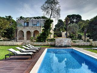 5 bedroom Villa in Pula, Istria, Croatia : ref 2286853 - Pula vacation rentals