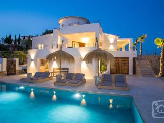 4 bedroom Villa in Benissa, Costa Blanca, Spain : ref 2287077 - La Llobella vacation rentals