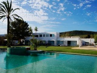 4 bedroom Villa in San Jose, Cala Jondal, Baleares, Ibiza : ref 2288685 - Es Vive vacation rentals
