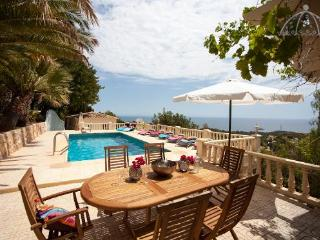 5 bedroom Villa in Altea, Alicante, Costa Blanca, Spain : ref 2288830 - Altea la Vella vacation rentals