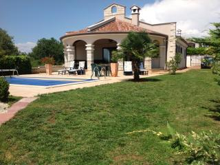 Nice Villa with Internet Access and Dishwasher - Pula vacation rentals