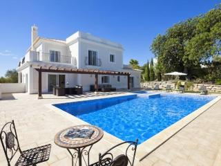 4 bedroom Villa in Boliqueime, Algarve, Portugal : ref 2291349 - Boliqueime vacation rentals