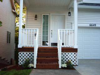 Quiet Orenco Area Executive Townhouse Retreat - Hillsboro vacation rentals