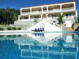 5 bedroom Villa in Portimao, Algarve, Portugal : ref 2293533 - Portimão vacation rentals
