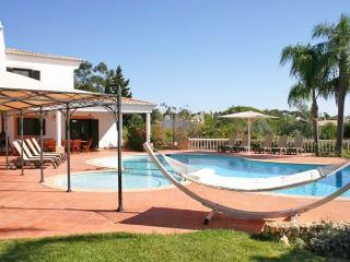 7 bedroom Villa in Carvoeiro, Algarve, Portugal : ref 2293534 - Carvoeiro vacation rentals