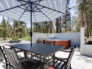 Family-friendly house w/ private hot tub and large wrap-around deck - Sunriver vacation rentals