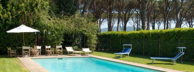 5 bedroom Villa in Grosseto, Maremma, Tuscany, Italy : ref 2294045 - Image 1 - Braccagni - rentals