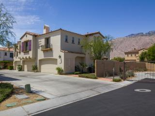 2 Bedroom/2 Bathroom Condo Minutes From Downtown - Palm Springs vacation rentals
