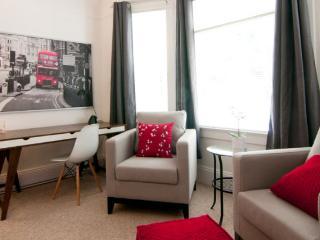Fernwood - Freshly Renovated Large King Bed Studio - Victoria vacation rentals
