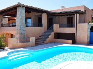 3 bedroom Villa in San Teodoro, Sardinia, Italy : ref 2300082 - San Teodoro vacation rentals