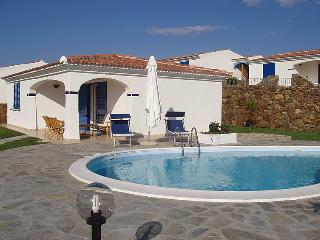2 bedroom Villa in Budoni, Sardinia, Italy : ref 2300084 - Budoni vacation rentals