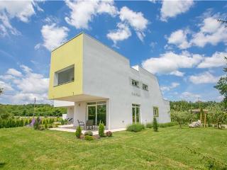 4 bedroom Villa with Internet Access in Zminj - Zminj vacation rentals