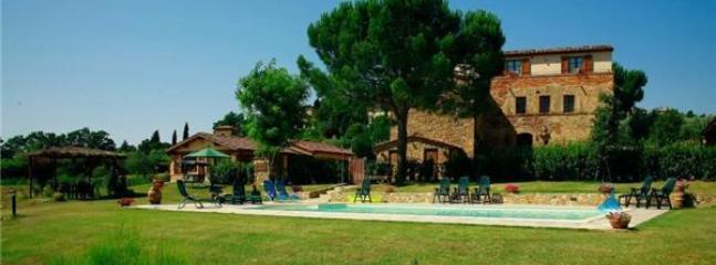 6 bedroom Villa in Lucignano, Tuscany, Italy : ref 2301315 - Image 1 - Lucignano - rentals