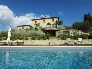 4 bedroom Villa in San Casciano Dei Bagni, Tuscany, Italy : ref 2301319 - San Casciano dei Bagni vacation rentals