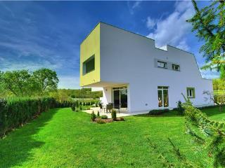 Bright 5 bedroom Zminj Villa with Internet Access - Zminj vacation rentals