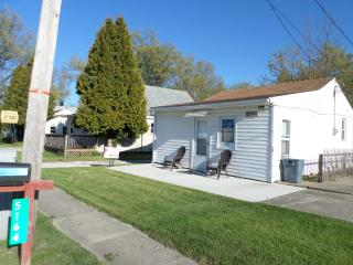 Cozy Cottage with Internet Access and A/C - Geneva on the Lake vacation rentals