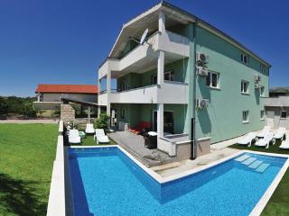 8 bedroom Villa in Trogir-Kastel Novi, Trogir, Croatia : ref 2302554 - Kastel Stafilic vacation rentals