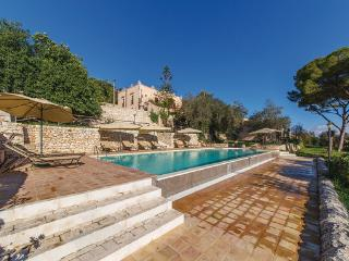 2 bedroom Villa in Modica, Sicily, Italy : ref 2303888 - Modica vacation rentals