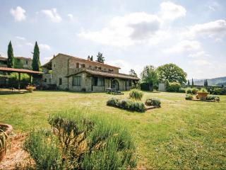 9 bedroom Villa in Bucine, Chianti, Italy : ref 2303900 - Bucine vacation rentals