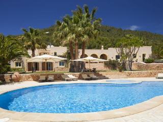 5 bedroom Villa in Sant Josep De Sa Talaia, Ibiza, Ibiza : ref 2306370 - Sant Josep De Sa Talaia vacation rentals