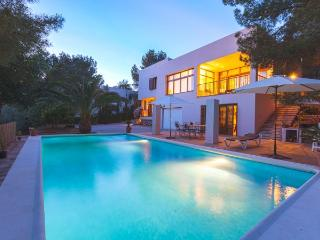 3 bedroom Villa in Sant Antoni De Portmany, Ibiza, Ibiza : ref 2306373 - Sant Antoni de Portmany vacation rentals