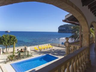 4 bedroom Villa in Javea, Alicante, Costa Blanca, Spain : ref 2306472 - Javea vacation rentals