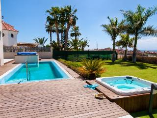 3 bedroom Villa in Maspalomas, Gran Canaria, Canary Islands : ref 2307483 - Maspalomas vacation rentals