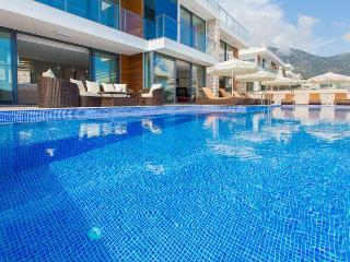 5 bedroom Villa in Kalkan, Mediterranean Coast, Turkey : ref 2307997 - Kalkan vacation rentals