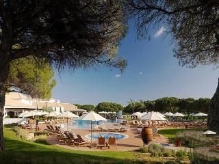 Apartment in Olhos De Agua, Algarve, Portugal - Olhos de Agua vacation rentals
