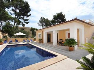 4 bedroom Villa in Cala San Vicente, Mallorca : ref 3299 - Cala San Vincente vacation rentals