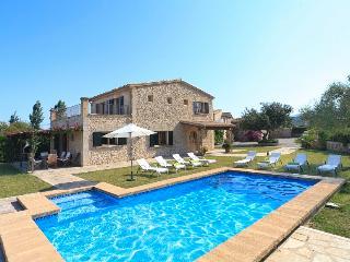 4 bedroom Villa in Pollença, Mallorca, Mallorca : ref 3773 - Cala San Vincente vacation rentals
