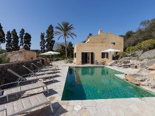 4 bedroom Villa in Cala San Vicente, Mallorca, Mallorca : ref 3774 - Cala San Vincente vacation rentals