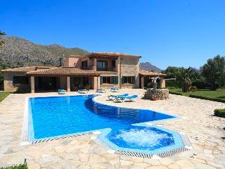 5 bedroom Villa in Pollença, Mallorca, Mallorca : ref 3785 - Cala San Vincente vacation rentals