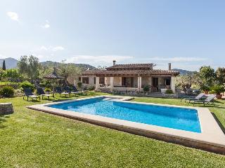 4 bedroom Villa in Pollença, Mallorca, Mallorca : ref 3828 - Pollenca vacation rentals
