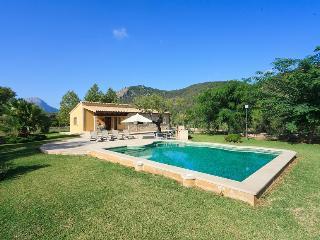 2 bedroom Villa in Pollença, Mallorca, Mallorca : ref 3837 - Pollenca vacation rentals