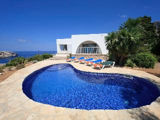 3 bedroom Villa in Cala San Vicente, Mallorca, Mallorca : ref 3852 - Cala San Vincente vacation rentals