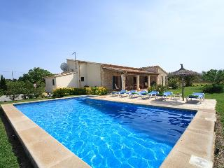 3 bedroom Villa in Puerto Pollença, Mallorca, Mallorca : ref 4020 - Puerto Pollensa vacation rentals