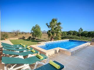 3 bedroom Villa in Alcudia, Mallorca, Mallorca : ref 4030 - Alcudia vacation rentals