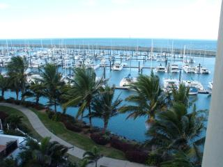 Luxury 3 bedroom Marina Waterfront Apartment - Mackay vacation rentals