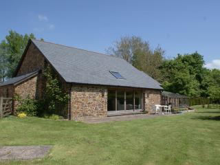 Lovely 2 bedroom North Tawton House with Internet Access - North Tawton vacation rentals