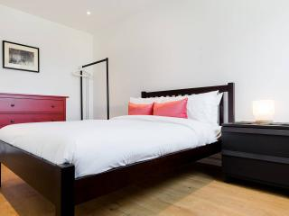 4 Bed House Central London sleeps 8 - London vacation rentals