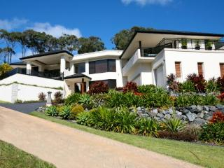Bright Korora vacation House with Internet Access - Korora vacation rentals