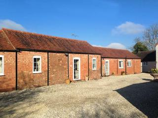 2 SHIRLEY FARM, close to amenities, shared garden, WiFi, Coventry, Ref 936329 - Coventry vacation rentals