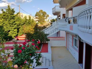 2 bedroom House with Internet Access in Loutraki - Loutraki vacation rentals
