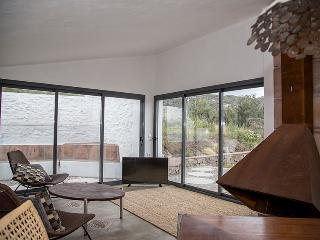 """el Morusco"" for mountain walks & beaches - Frigiliana vacation rentals"