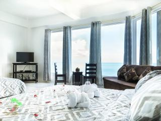 Ocean view(30min Whale Watching) R1 - Boljoon vacation rentals