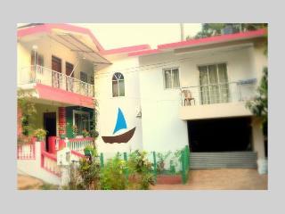 Spacious Deluxe Room In Bogmalo, Goa - Bogmalo vacation rentals